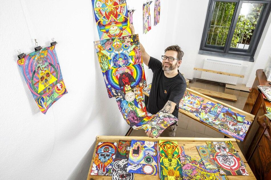 """""""GA.Rec"""" ist der neueste Plattenladen in der Neustadt. Tobias Hornung (45) präsentiert die ersten Kunstwerke, die in seinem Laden ausgestellt werden."""
