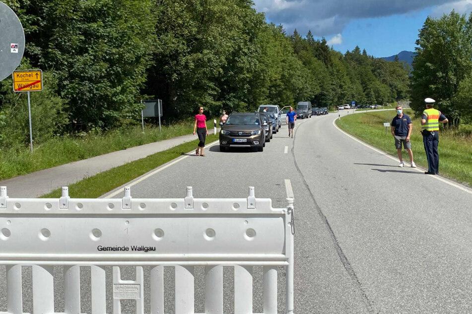 """""""Ausbremst is!"""": Demonstranten wollen Tourismus-Verkehr lahmlegen"""