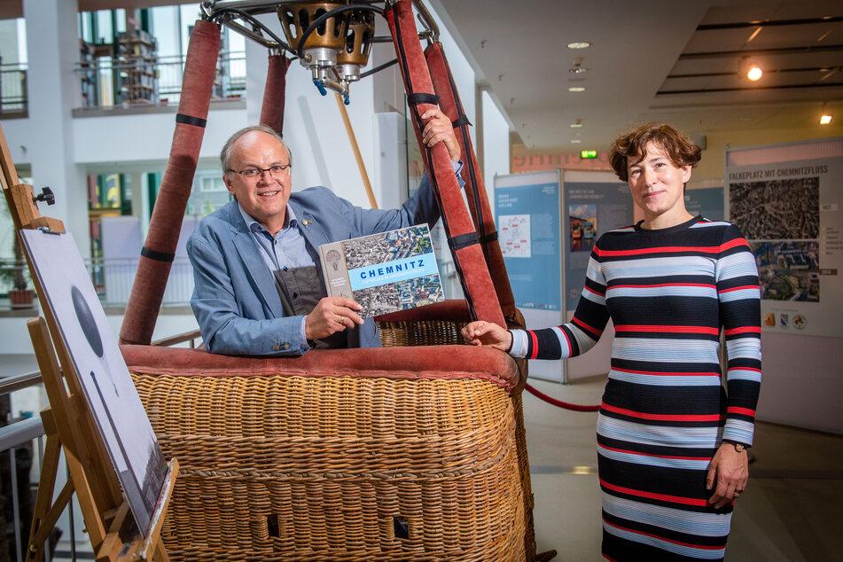 Die Ausstellung nimmt den Besucher mit auf eine Ballon-Rundfahrt. Die Umsetzung übernahmen Christian Köhler (60) und Thorid Zierold (42).