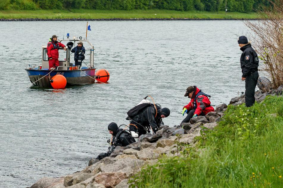 Nach den tödlichen Schüssen von Dänischenhagen und Kiel suchte die Polizei im Nord-Ostseekanal nach den Waffenteilen.