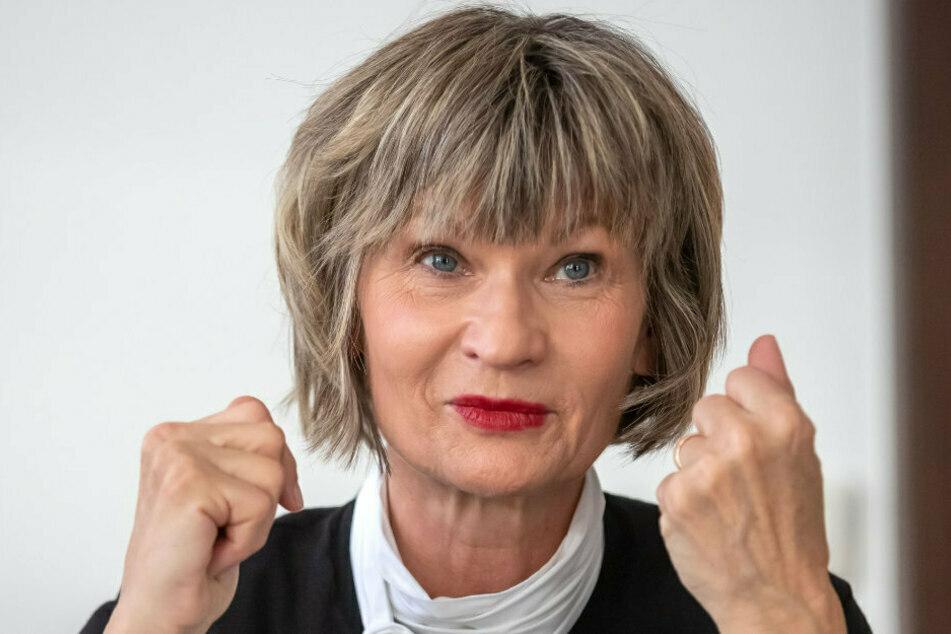 Oberbürgermeisterin Barbara Ludwig (58, SPD) will in der letzten Stadtratssitzung im Stadion-Exil noch mal alles geben.