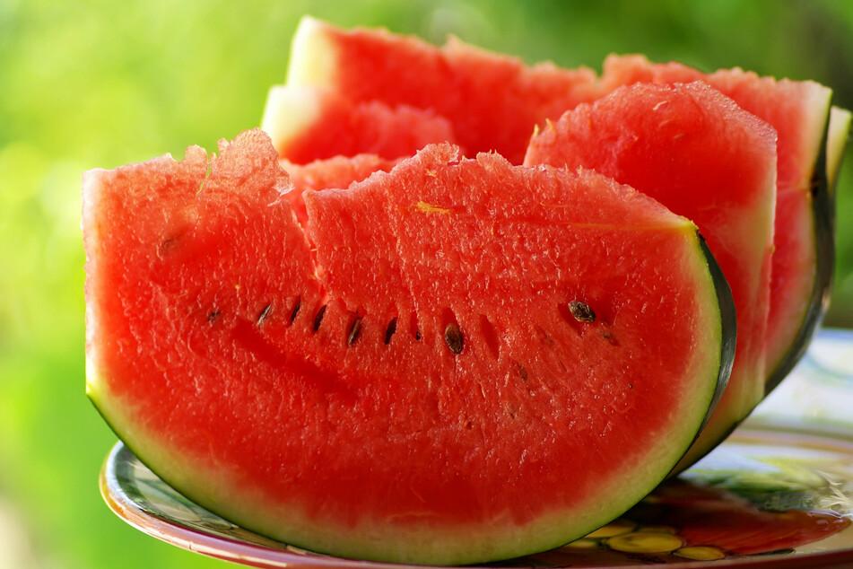 Nicht nur die vergleichsweise geringe Kalorienmenge macht das Melonen-Essen attraktiv: Wassermelonen enthalten auch sekundäre Pflanzenstoffe. (Symbolbild)