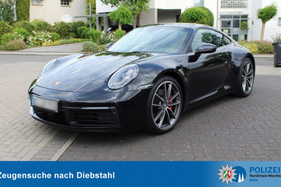 Der Sportwagen besitzt einen Wert von rund 100.000 Euro. Die Polizei sucht nach Zeugen für den Diebstahl.