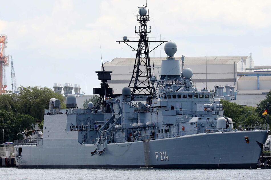 """Die Fregatte """"Lübeck"""" der Deutschen Marine nimmt an dem Manöver teil."""