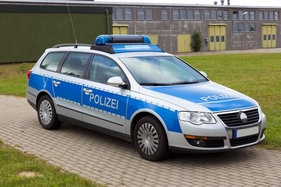 Ein Streifenwagen der Polizei wurde im nahen Benndorf gefunden. (Symbolbild)