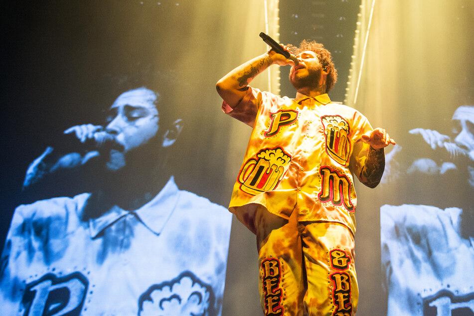 Keine Konzerte, viel Zeit für SMS: Rapper Post Malone lässt sich gern anschreiben.