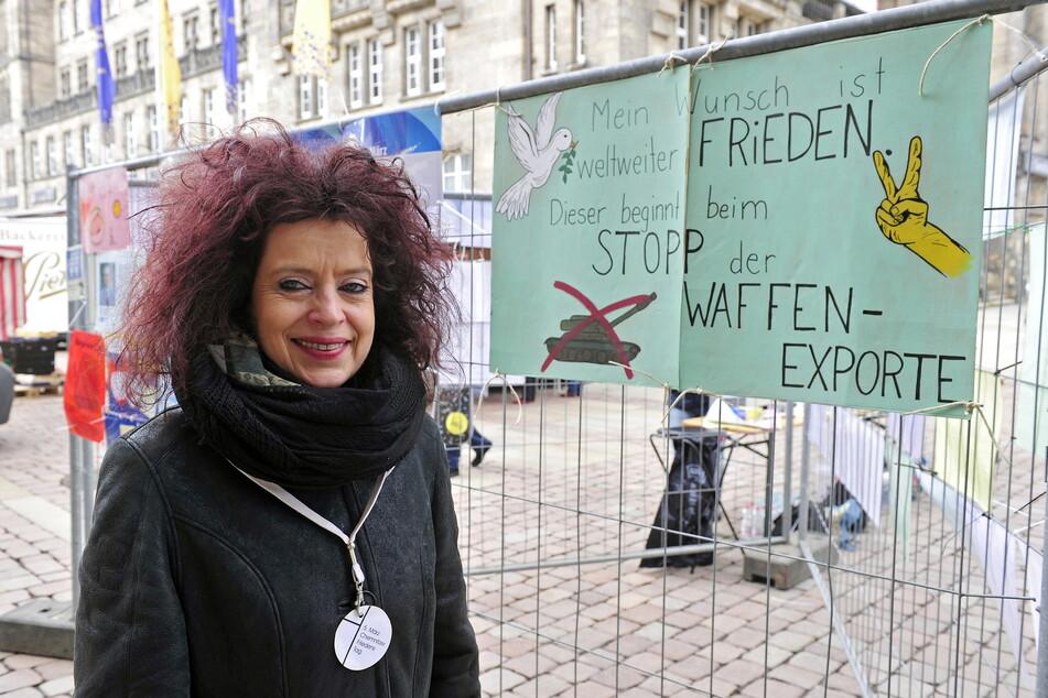 Organisatorin Sabine Kühnrich (50) freute sich über die Friedensbotschaften der Chemnitzer.