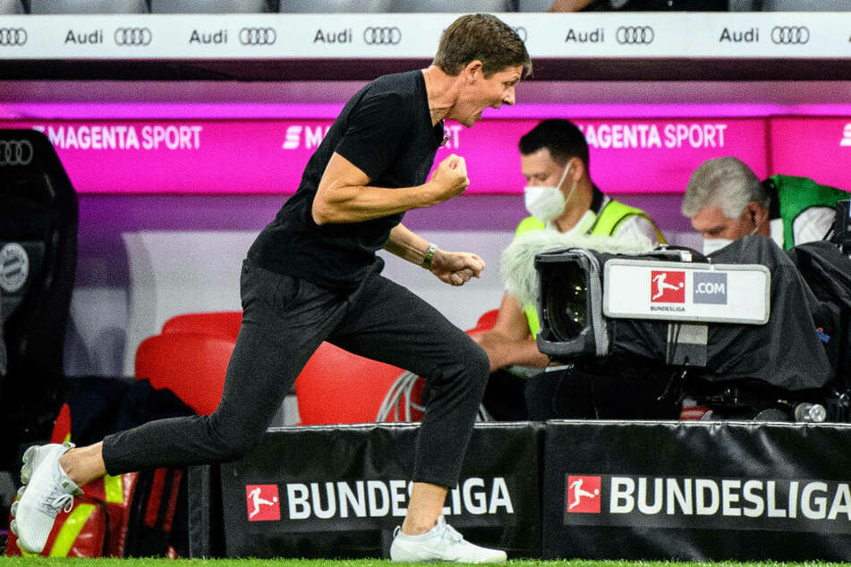 Emotion pur: Eintracht-Coach Oliver Glasner (47) nach dem Abpfiff beim Auswärtssieg in München