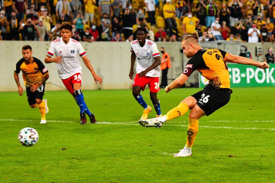 So war es Chefsache für den Kapitän. Sebastian Mai trat zum Elfmeter an und verwandelte ihn sicher - sein erstes Pflichtspieltor für Dynamo.