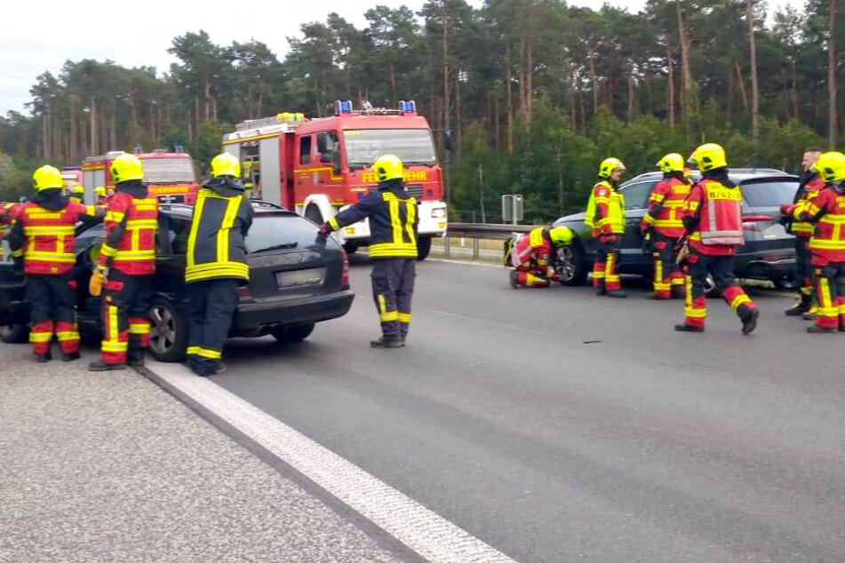 Unfall A12: Unfall mit vier Verletzten: Betrunkener wendet auf Autobahn!
