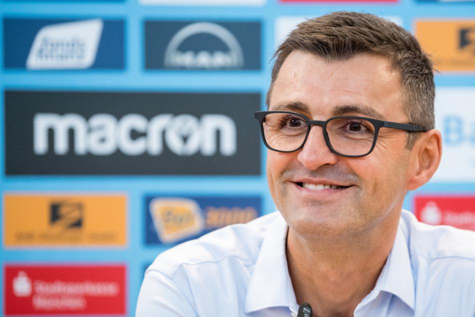 Löwen-Dompteur Michael Köllner (50) ist zufrieden mit seiner Mannschaft.