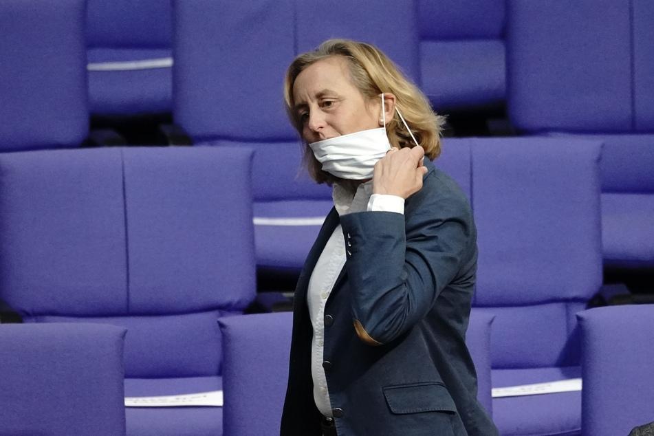 Beatrix von Storch ist die stellvertretende Bundessprecherin der AfD und trägt offenbar nicht gerne Masken vor Mund und Nase.