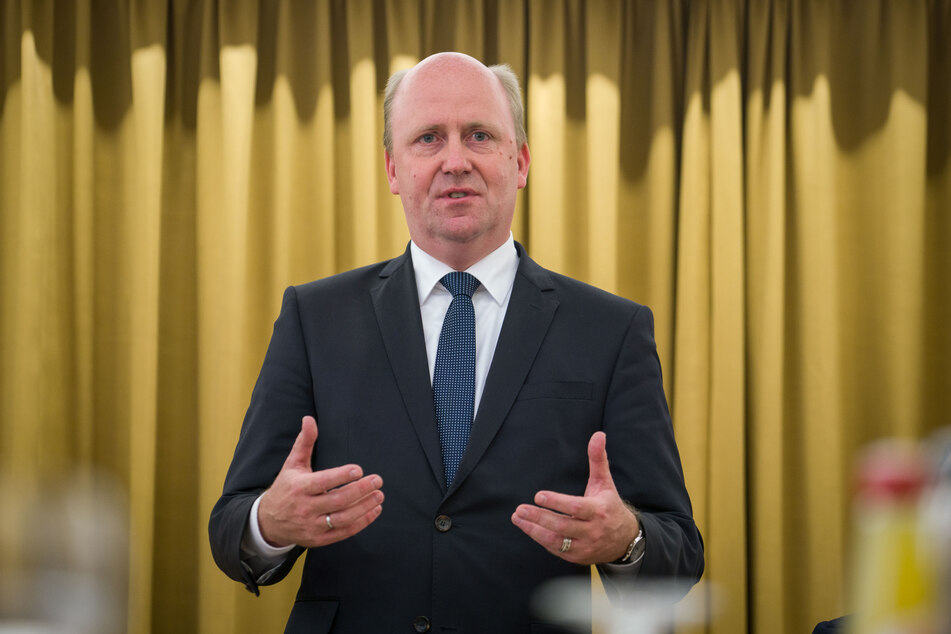 Laut Stadtkämmerer Uwe Becker (CDU) setzt die Corona-Pandemie Frankfurt schwer zu.