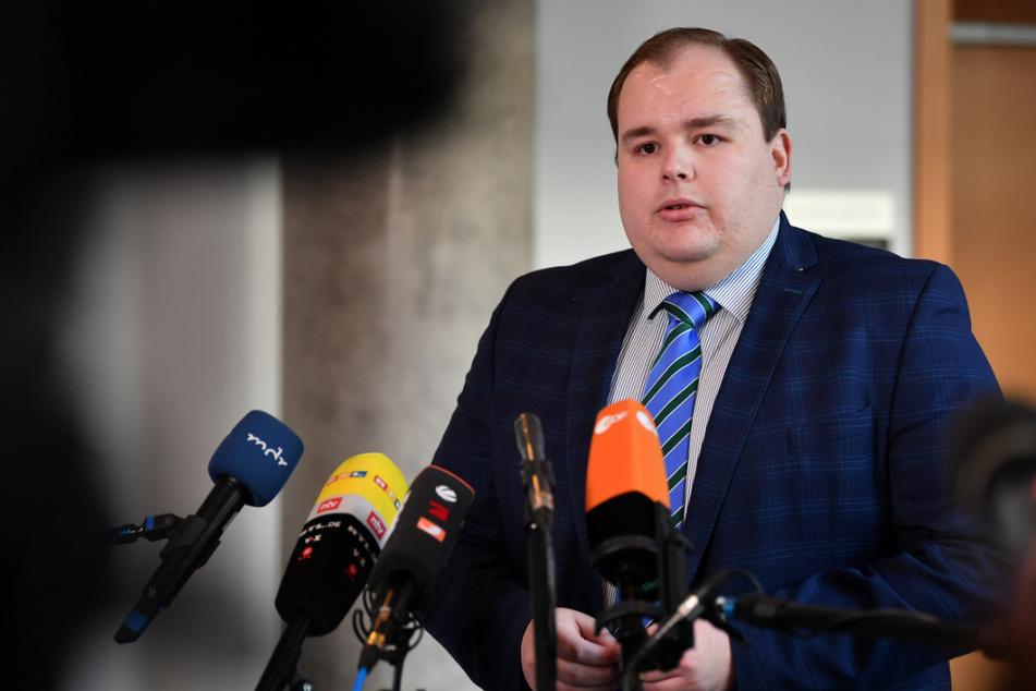 Für Torben Braga (30), parlamentarischer Geschäftsführer der Thüringer AfD-Fraktion, ist es verwunderlich, dass die Einstufung der gesamten AfD zwei Wochen vor den Landtagswahlen in Baden-Württemberg und Rheinland-Pfalz stattgefunden hat. (Archivbild)