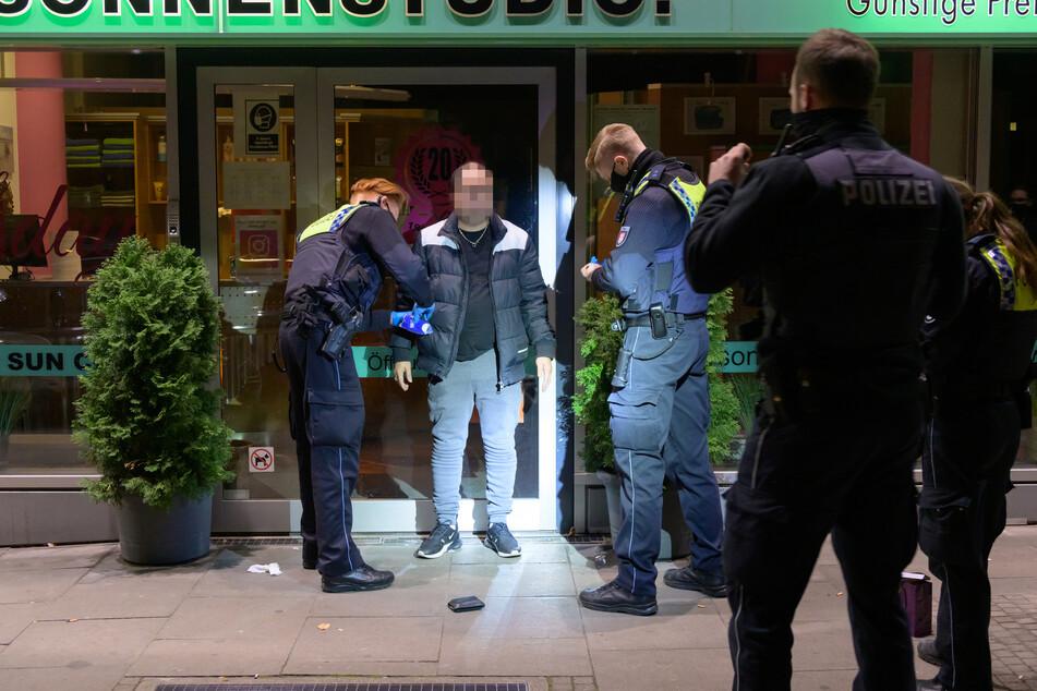 Die Polizei konnte den Mann wenig später aufgreifen.