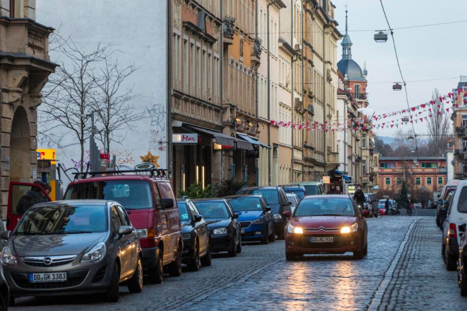 Die Tat geschah auf der Louisenstraße in der Äußeren Neustadt.