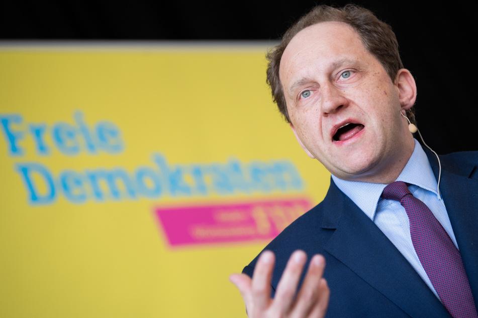 Der Vorsitzende der Deutsch-Israelischen Parlamentariergruppe im Bundestag, Alexander Graf Lambsdorff (54, FDP), hat in Bonn den Angriff auf die Synagoge verurteilt. (Archivfoto)
