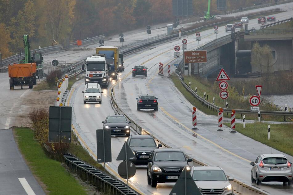 Die A19 musste zur Bergung am Sonntag zwei Stunden zwischen den Auffahrten Malchow und Linstow gesperrt werden. (Archivbild)