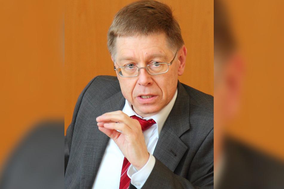 Der ehemalige Präsident des Oberlandesgerichts Sachsen, Ulrich Hagenloch, zeigte den Gerichtsvollzieher bereits 2017 an.