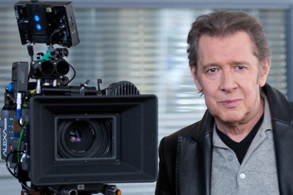 """Jan Fedder bei Dreharbeiten am Filmset der ARD-Serie """"Großstadtrevier""""."""