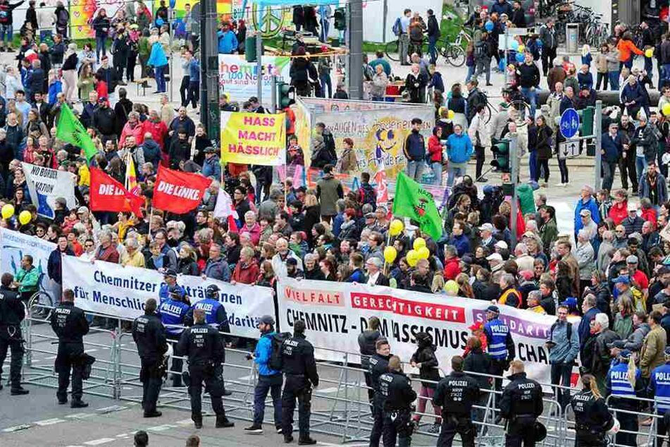 Streit um den Neumarkt: DGB und AfD hatten jeweils Kundgebungen für den 1. Mai vor dem Rathaus angemeldet.