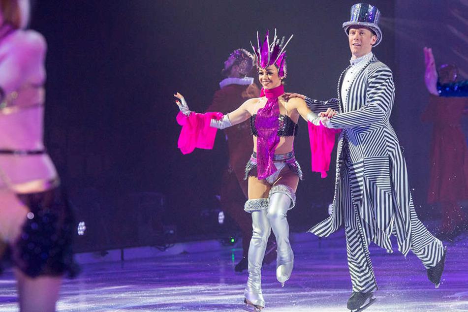 Was für ein Spektakel! Bis zum 19. Februar heizt das Ensemble von Holiday on Ice das Zwickauer Publikum ein.