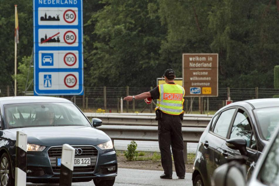 Falsche Polizeikontrolle! Diebe erbeuten Schmuck im Wert von 80.000 Euro