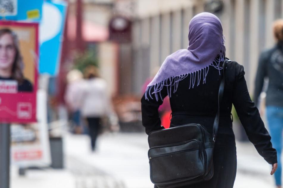 Studie: Fast die Hälfte der Chemnitzer nehmen Migranten als Bedrohung wahr