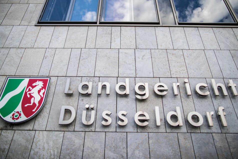 Der Prozess findet vor dem Landgericht Düsseldorf statt.
