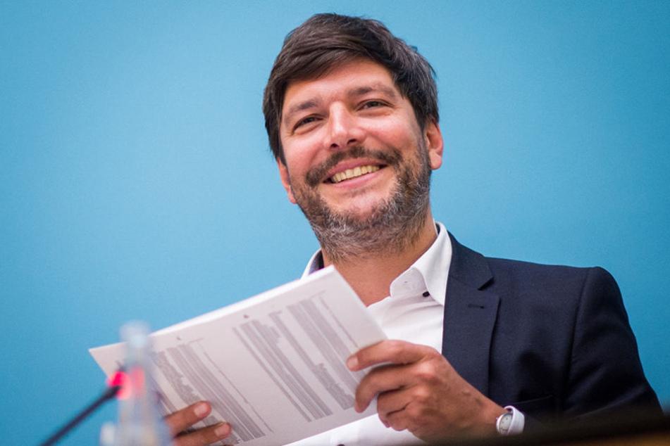 Dirk Behrendt hat es sich zur Aufgabe gemacht, das Verbot von Kopftüchern für Lehrerinnen aufzuheben.