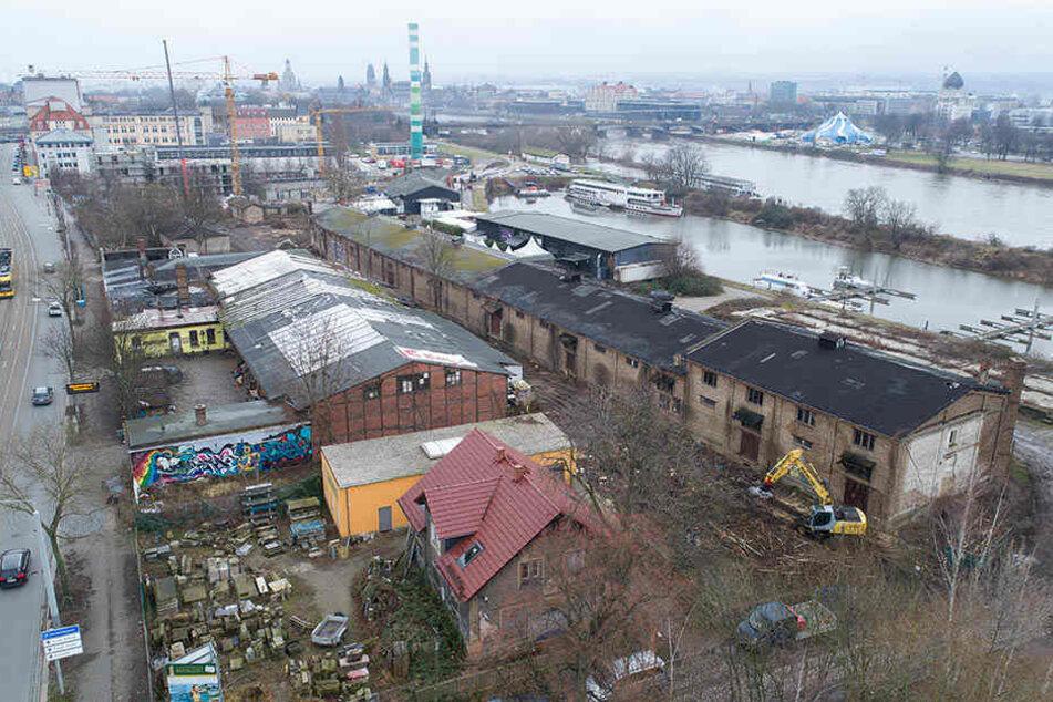 Direkt an der Leipziger Straße liegt das Steinmetz-Grundstück. Dahinter wird bereits das Baufeld für die Hafencity frei gemacht.