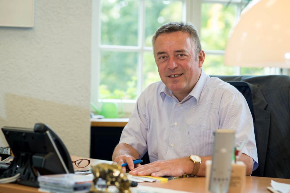 Plauens Oberbürgermeister Ralf Oberdorfer (FDP) möchte einen für den kommenden Montag geplanten Neonazi-Aufmarsch in der Stadt verhindern.