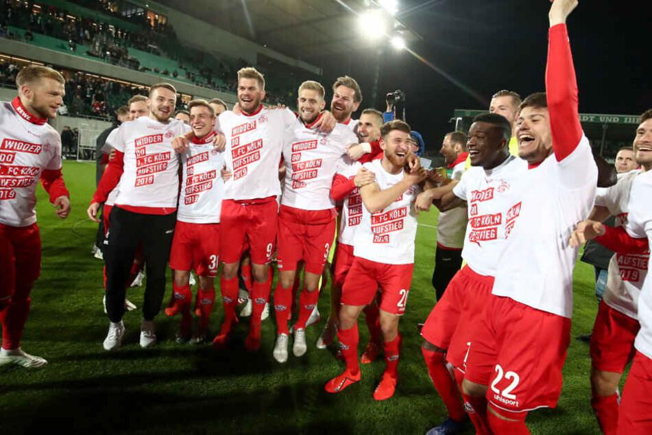 Mit dem 4:0-Sieg in Fürth sicherte sich Köln den Aufstieg und die Meisterschaft.