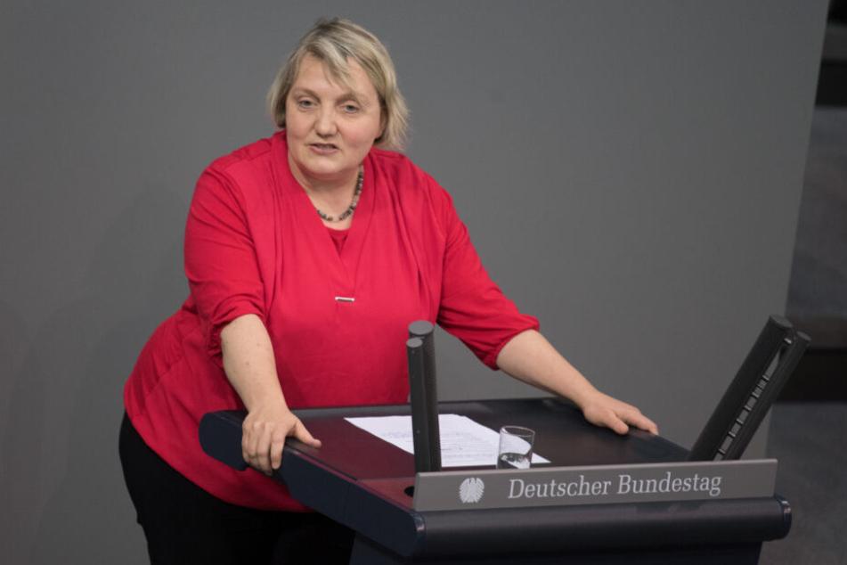 Katja Mast spricht im Bundestag.