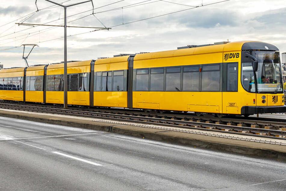 Augenzeugen berichten: Straßenbahn-Kontrolleure gehen in Dresden auf Ausländer los!