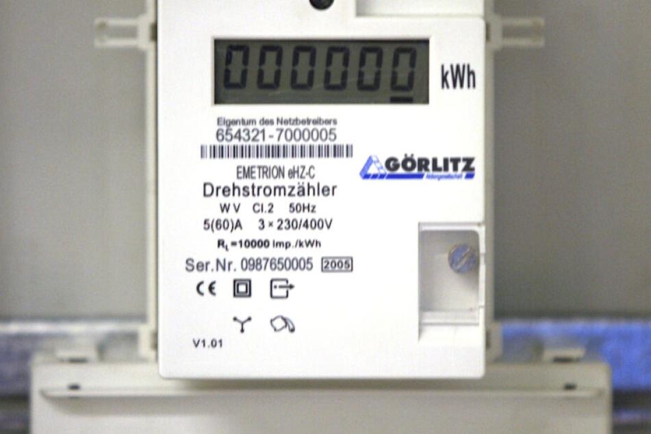 Ein Stromzähler mit der Zahl der verbrauchten Kilowattstunden.