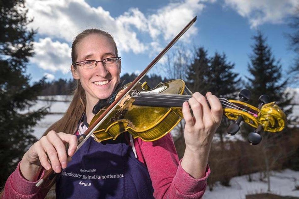 Martina Piesendel (29) stellt ganz besondere Geigen her. Ihre Design-Geigen sind wahre Einzelstücke.