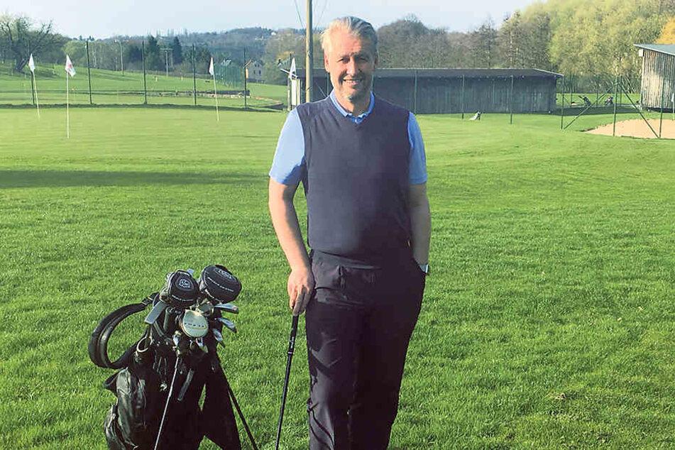 Mit seiner Golfwette könnte Steffen Becker (48) einen fünfstelligen Betrag für Hope einspielen.
