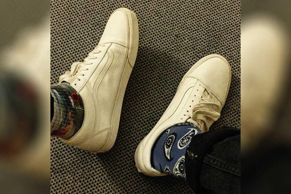 Ben Zucker trägt stets zwei verschiedene Socken. Das bringt ihm Glück.