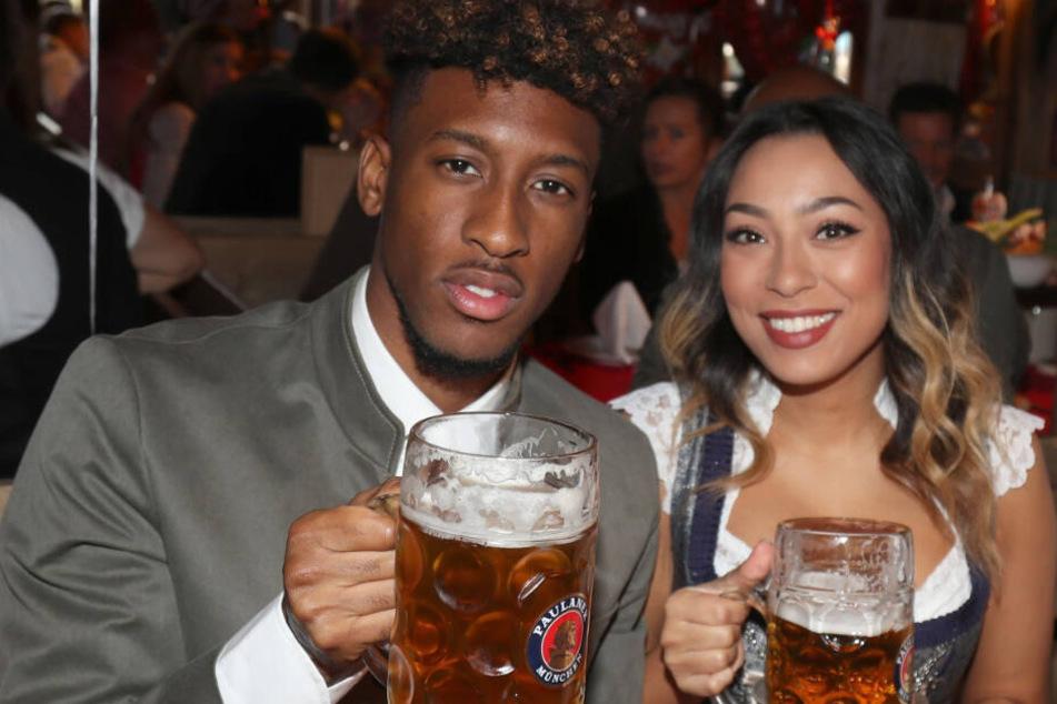Kingsley Coman und der FC Bayern München besuchten das Oktoberfest ebenfalls.