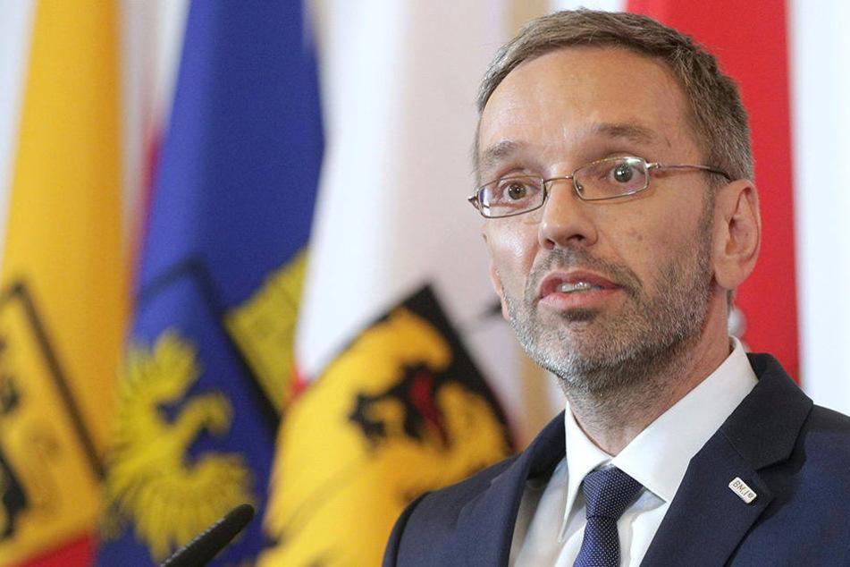 Er will, dass in der EU keine Asylanträge mehr gestellt werden können
