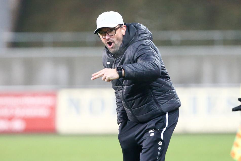"""Energie-Coach Claus-Dieter """"Pele"""" Wollitz explodierte Montagabend gleich mehrfach."""