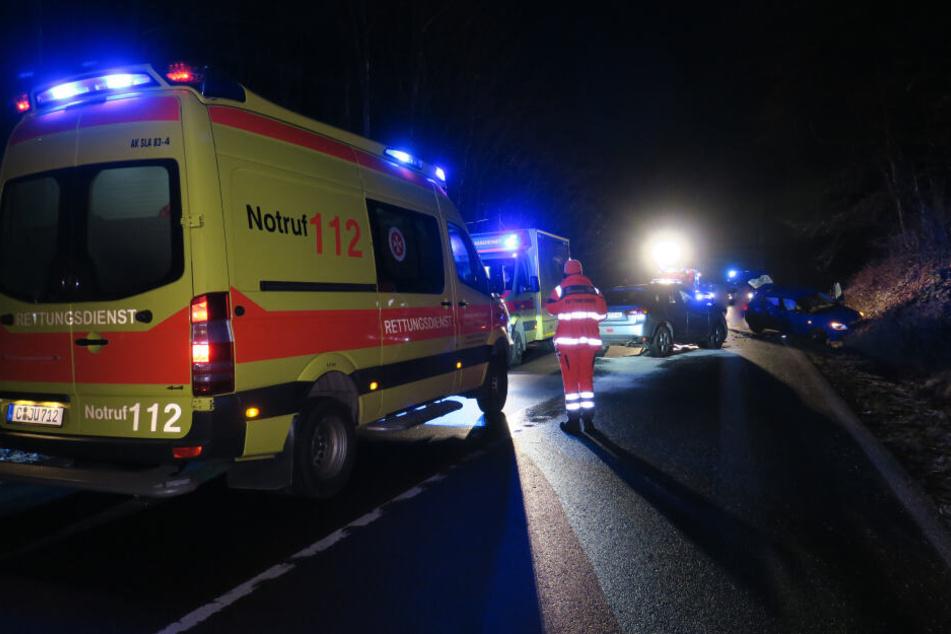 Bei dem Unfall wurde eine 18-Jährige schwer verletzt.