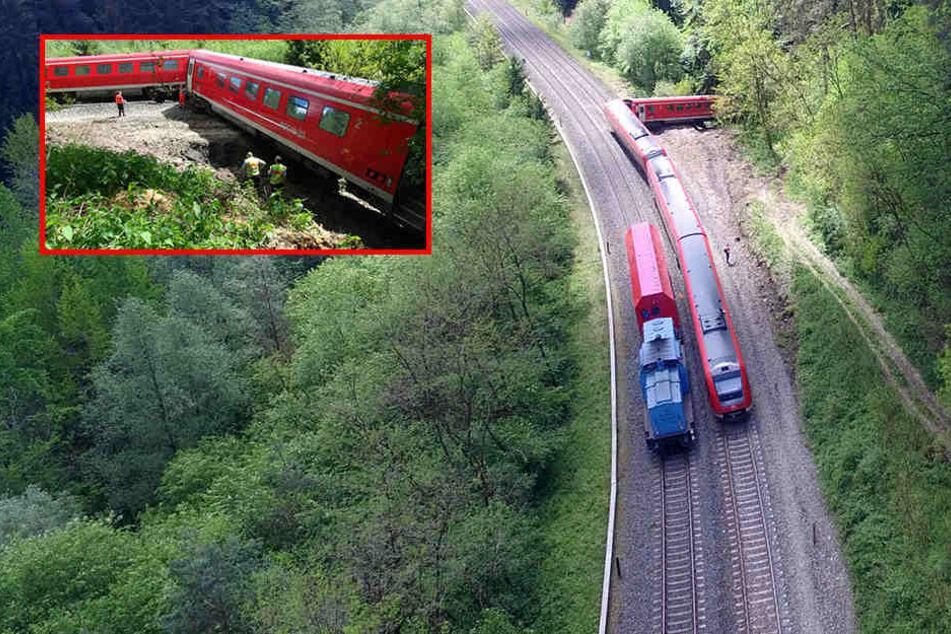 Verunglückte Bahn geborgen: Züge sollen wieder fahren