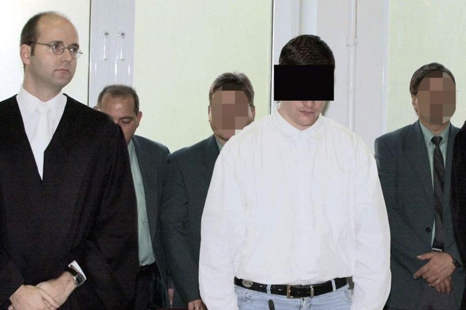Stefan J. bei seinem Prozess 2001, als er zu lebenslanger Haft verurteilt wurde.
