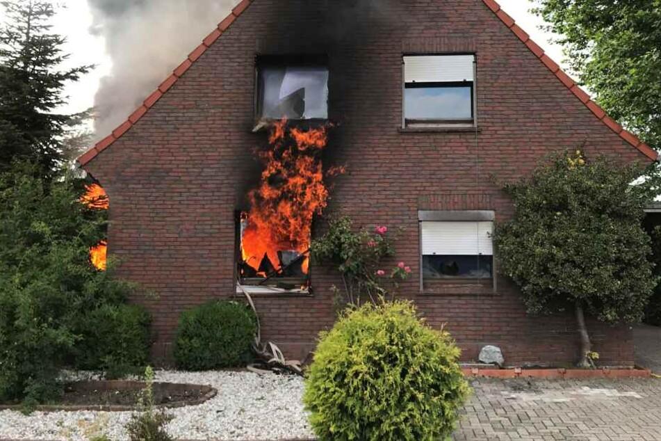 Familie wird bei verheerendem Brand obdachlos: Mehr als 200.000 Euro Schaden!