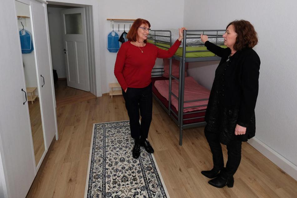 Integrationsministerin Petra Köpping (58, SPD) in einer der Wohnungen.