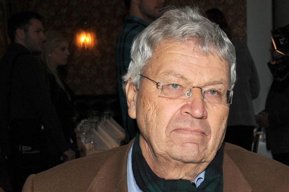 """Gerhard Polt erklärt, wie man jemanden höflich auf Bairisch als """"Volldeppen"""" beleidigt"""