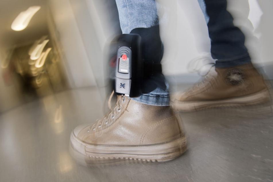 Nur Bayern und Mecklenburg-Vorpommern beherbergen noch mehr Straftäter mit Fußfesseln.