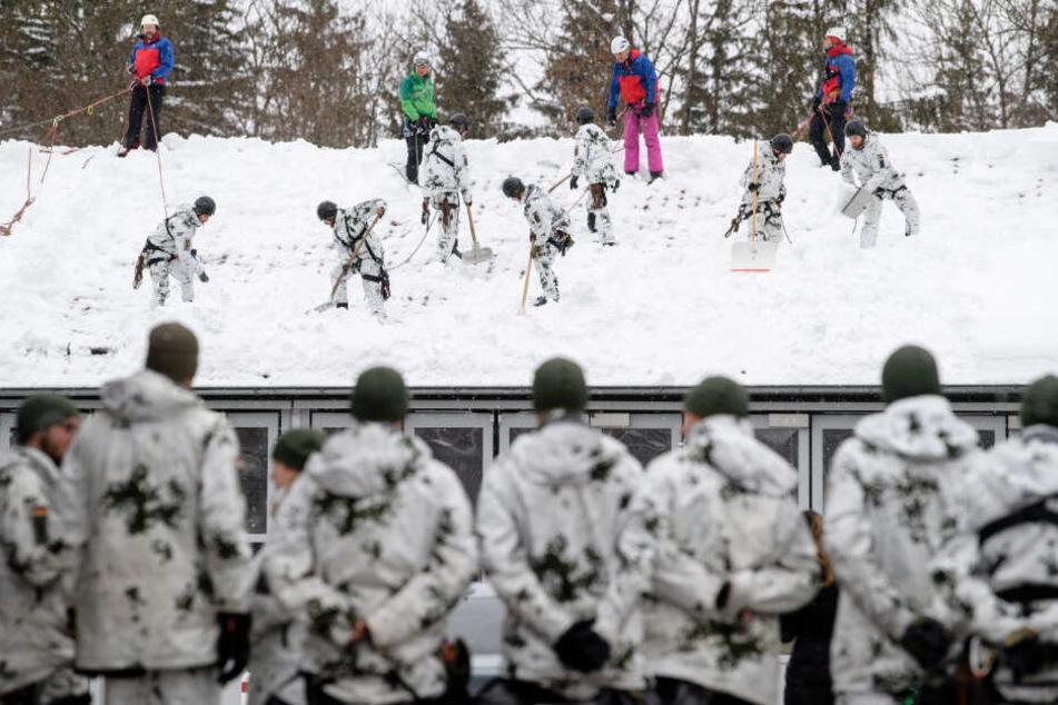 """Südbayern bangt im Schnee: """"Kein Grund zur Entwarnung"""""""